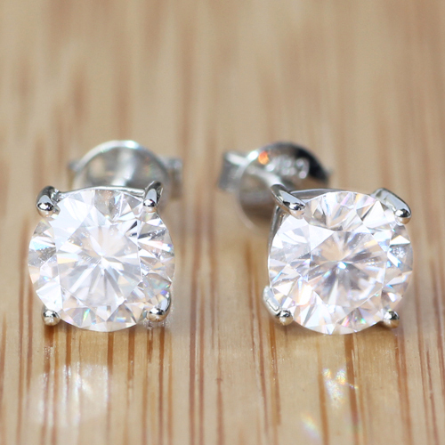 Genuine18k White Gold Screw Back 2 Carat Close to G-H Super White/Clear Moissanite Diamond Earrings Test Positive Lab Grown(China (Mainland))
