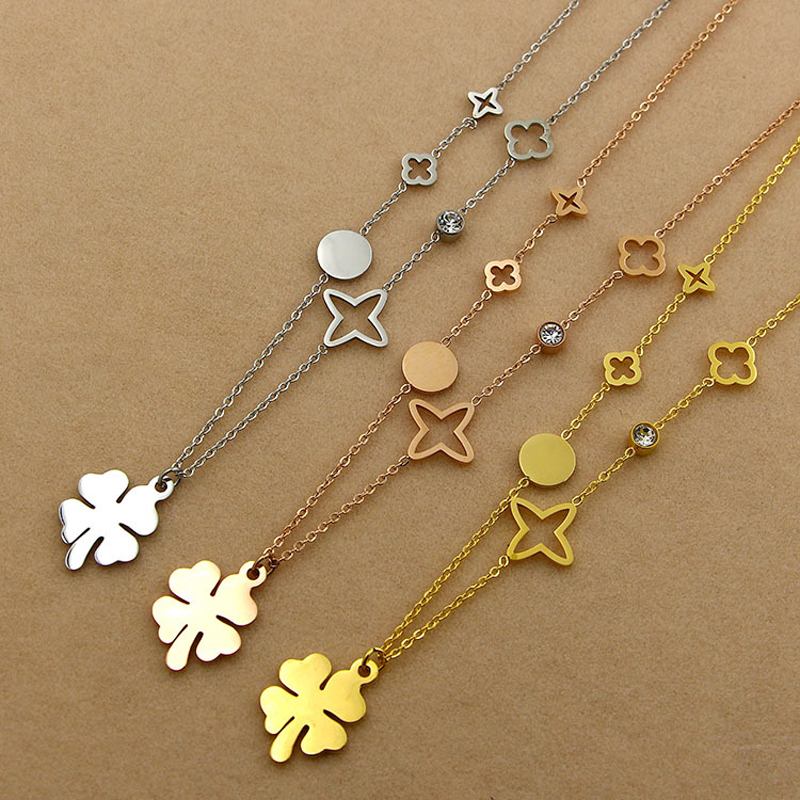 women jewelry clover Pendant Necklace female not allergic grass clavicle titanium chain 18K god plated with cz diamond Pendant(China (Mainland))