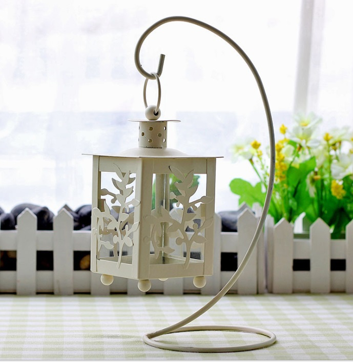 Free shipping Wrought iron candle lantern candle creative Continental to do the old retro lanterns metal garden candle holder(China (Mainland))