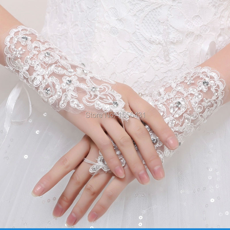 New 2015 wedding gloves bride white lace gloves beads for Wedding dresses with gloves