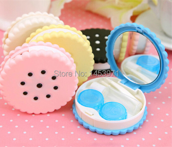 50pcs/lot Cute New Cute Christmas Gift Biscuit Transparent Color Birthday Eye Contact Lenses Case Box(China (Mainland))