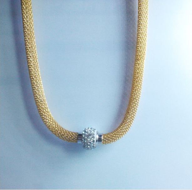 The latest luxury 18k gold necklace inlaid dazzling rhinestone necklace 45cm magnet connected glittering jewelry