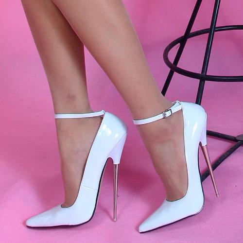 Aletta masturbates in stockings and high heel 2