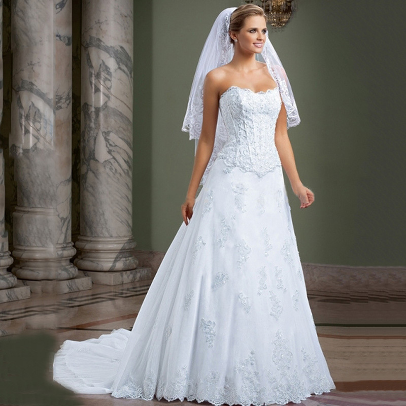 Two pieces dress white lace appliques wedding dresses for Detachable train wedding dress