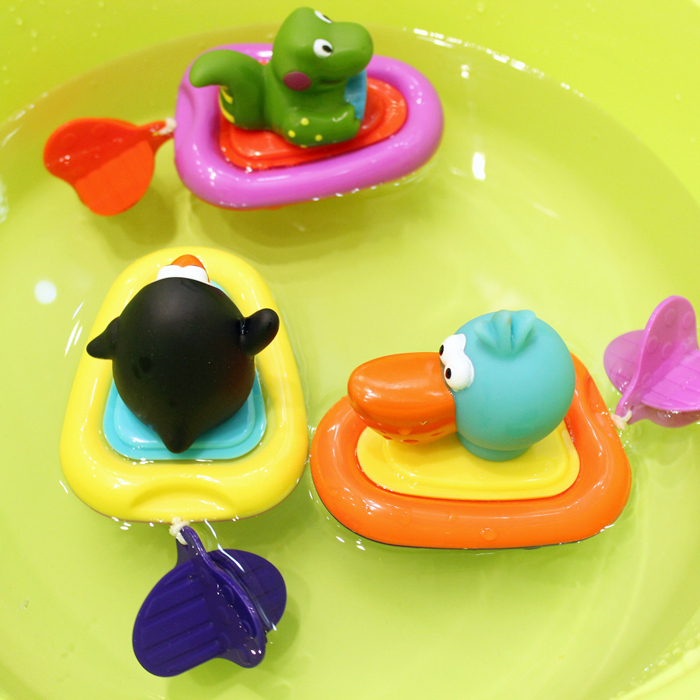1pc baby bath toys wound-up swimming pull and go boat baby water playing toysoriginal box cute figure(China (Mainland))