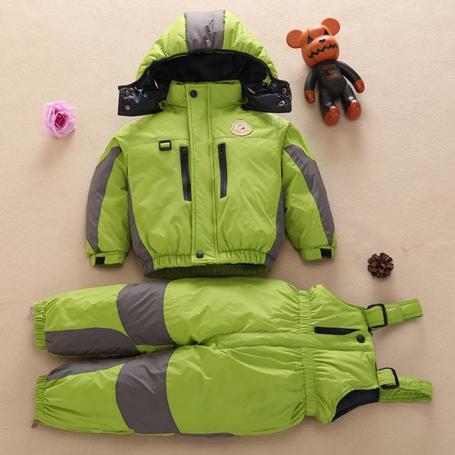 Зима теплая ребенка вниз пальто набор мальчик девочка Толстый snowsuit капюшоном лыжный костюм верхней одежды Детей куртка + нагрудники брюки одежда набор