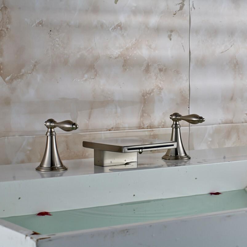 Купить Роскошь На Бортике Две Ручки Водопад Ванной Бассейна Смесители Матовый Никель 3 шт. Смеситель для раковины