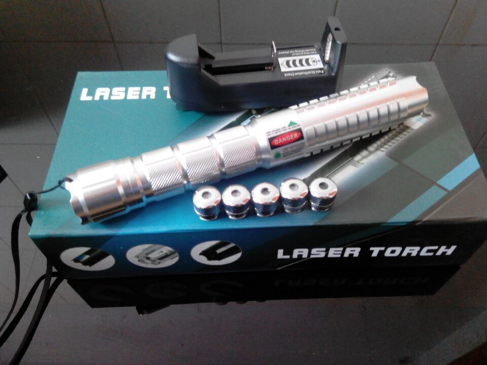 2016 best- XMAS days- high power laser pointers 50000mw 532nm green radium shoots the light point match smoke from 10000 m artif(China (Mainland))
