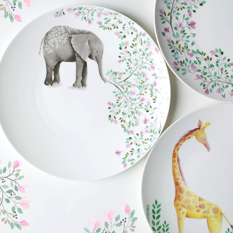 10 Inch Ceramic Plates Round Dishes Bone China Cartoon Character Printed On-glazed Elephant Giraffe Floral High Quality Plate(China (Mainland))