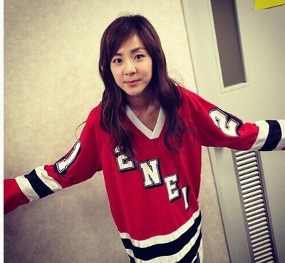 2015 New KPOP 2NE1 Long-sleeved Shirt Park Bom Roomate CL Dara Minzy Concert Tee Sweater(China (Mainland))