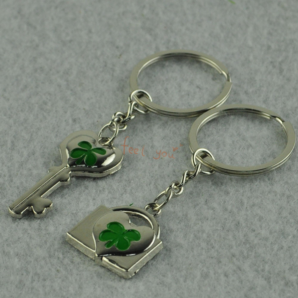 1 Pair Lovely Four-leaves Valentine's Day Forever Love Key Chain Keyring Keyfob Lover Couple Cute Gift Ring(China (Mainland))