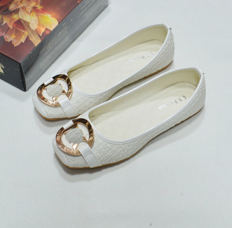 The new square flat shoes with flat metal buckle shoes 8386 6