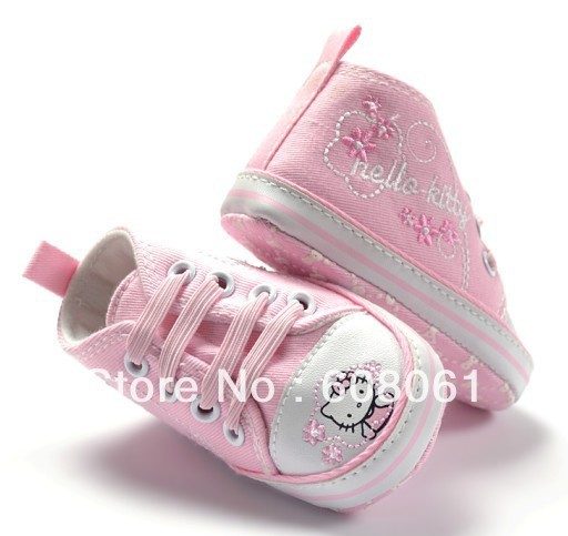 Free shiping pink color baby girl hello kitty shoe  30% off discount  now new desigen this year for chrismas time .