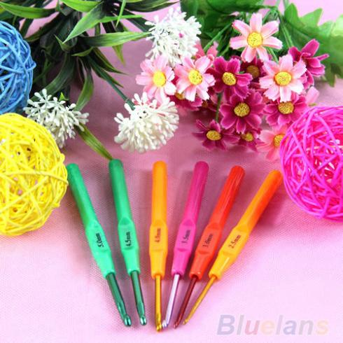 6pcs Multicolor Plastic Handle Aluminum Crochet Hooks Knit Needles Weave Craft 02BE 371B