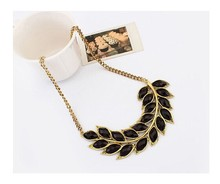 Min order is $9 Bohemia multicolor leaves short necklace xl654