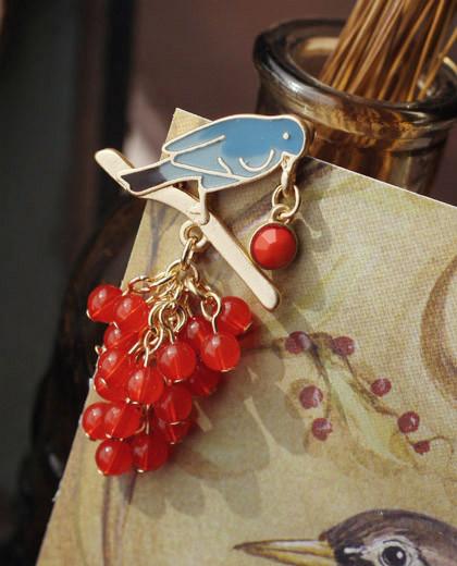 Japanese and Korean Brand jewelry Vintage Acacia Italy vintage blue bird twig pendant Red Bead corsage brooch Pin Hijab(China (Mainland))
