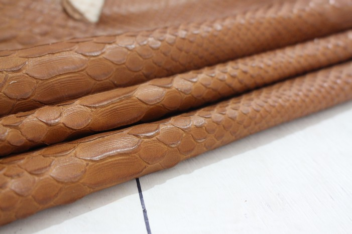 Здесь можно купить  Snake snake embossed cow skin leather brown leather soft 130 x82cm thickness of 1.0 mm  Дом и Сад