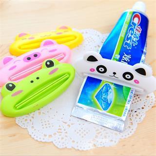 2015 baño caliente creativo de la historieta Animal exprimidor de pasta de baño cepillo herramientas dispensador exprimir juego de baño(China (Mainland))