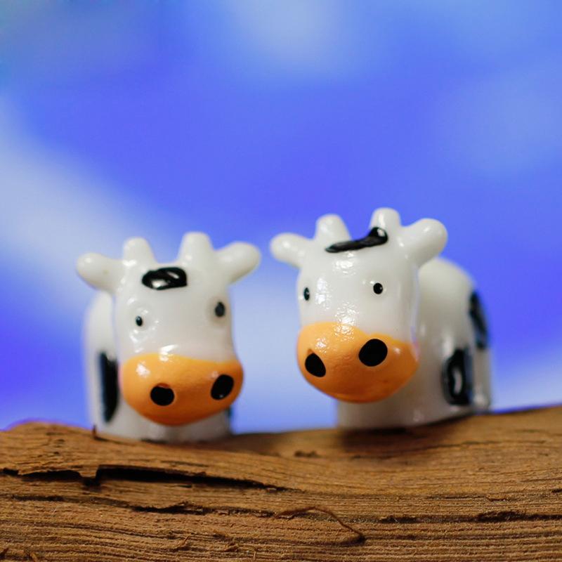 50pcs Mini Cute Milk Cow Miniature Fairy Garden Decorations DIY Resin Crafts Bonsai Terrarium Figurine Mini Garden Accessories(China (Mainland))