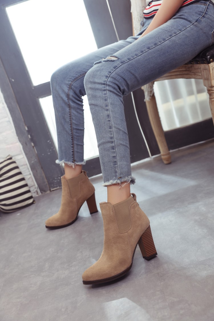 Autumn winter short cylinder boots with high heels boots shoes Martin boots women ankle boots with thick scrub L199