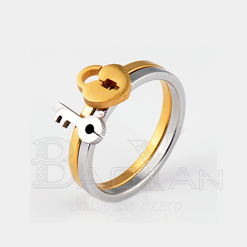 Romantic Lock and Key Silver and Gold Color Engagement Stainless Steel Couples Ring for Couples Lovers(China (Mainland))