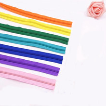 Alipress 20Meters/lot Nylon Coil Zippers 22 Colors For Selection 5# Width Lace Zippers For Sewing DIY Craft Tailor Tools 9-027(China (Mainland))