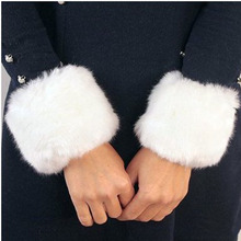 New Fashion 1 Pair Autumn Winter Womens Faux Rabbit Fur Sleevelet Woman Wristband Warmer Bracers 05526(China (Mainland))