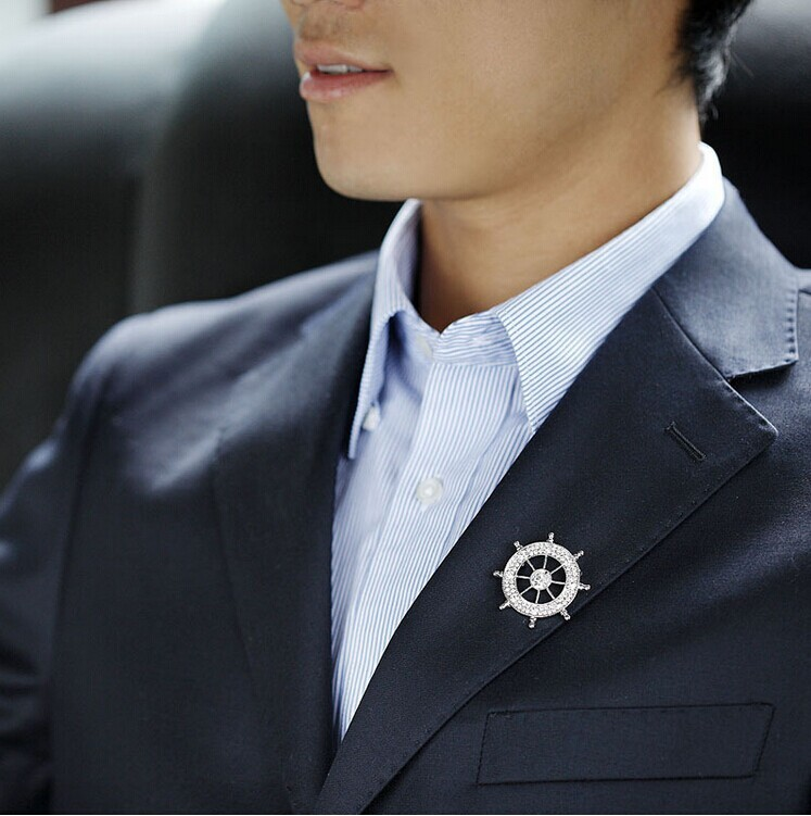 New Crystal Brooches Badge Navy Anchor Rudder Crystal Neutral Suit Collar Dress Shirt Collar Pin Retro Brooch Wholesale 10 Pcs(China (Mainland))
