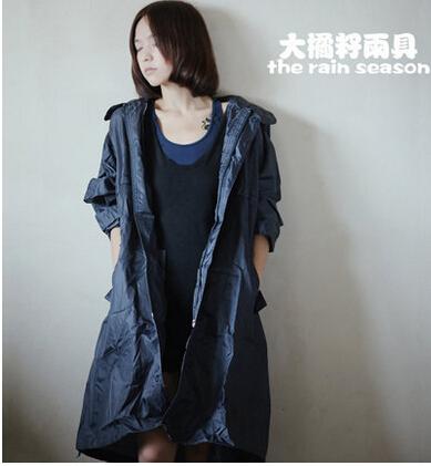 100%waterproof 100%breathable Raincoat Women Men Thin rain poncho coat chubasquero mujer Capa De Chuva(China (Mainland))