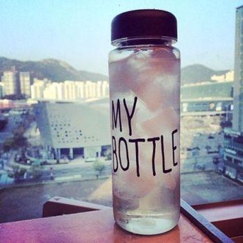 2015 горячая новинка портативный чашки ясно мой бутылки спорт пластиковые фруктовый сок кубок бутылки воды