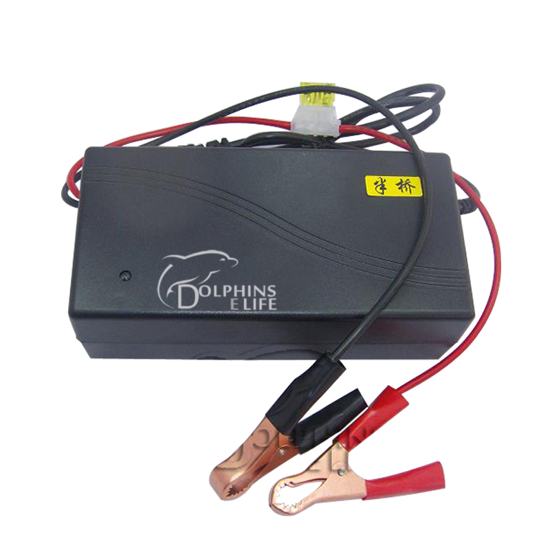 new 2014 charger battery car accumulator 12v 20A apply for Battery 200AH-6AH lead-acid battery float charge voltage 13.8+0.2V(China (Mainland))
