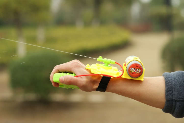 2016 Armas Pistola Air Soft Metal Toy Gun Nerf Outdoo Fun & Sports Supply High Quality Wrist Nozzle Reach The 5 Meters Water Gun(China (Mainland))