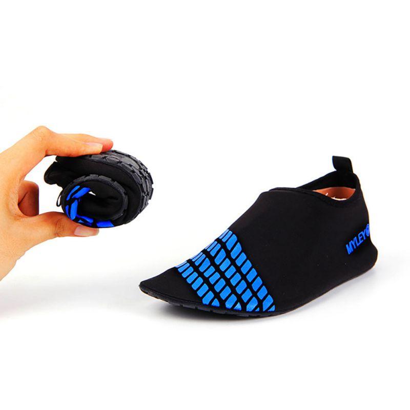 online kaufen gro handel gummi schwimmen schuhe aus china. Black Bedroom Furniture Sets. Home Design Ideas