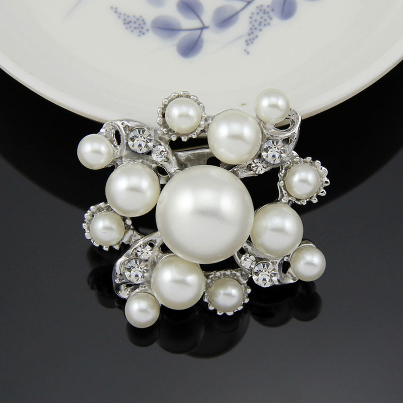 Fancy Amazing Big Simulated Pearl Flower Rhinestone Silver Plated Brooches for Women Brooch Pins Jewelry(China (Mainland))