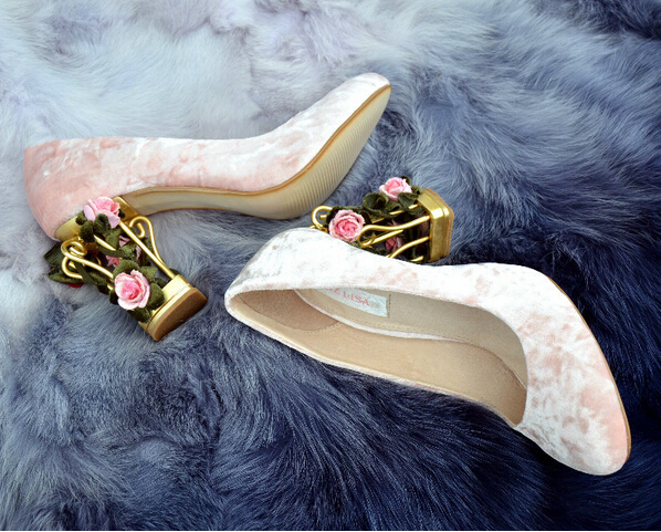 Fashionable Cage Flower High Heels Luxury Rhinestone Rose Real Suede Leather Women Pumps Buckles Wedding Party Shoes Woman(China (Mainland))