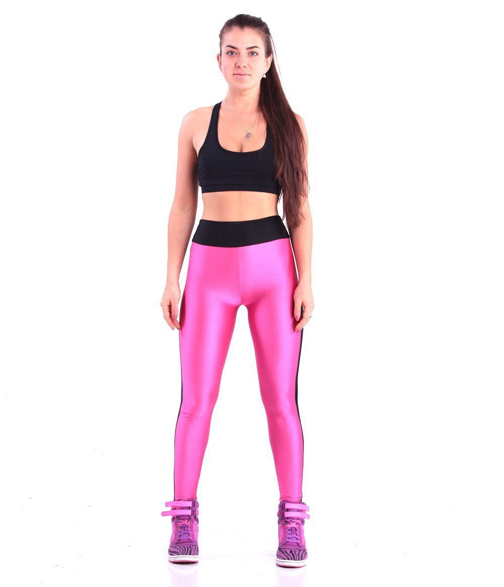 Combine your women's workout outfit with a fresh pair of women's training shoes. Shop workout clothing for men, boys and girls, and be sure to explore the complete collection of women's Nike clothing for additional sport-specific and everyday options.