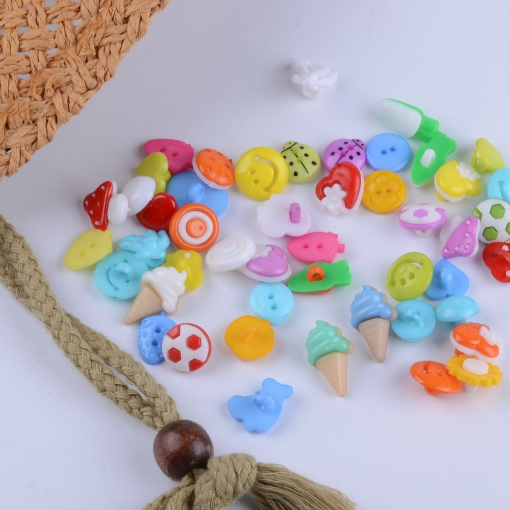 150PCS mixed color MIXED PATTERN plastic cartoons cloth buttons DIY Garment Clothing Accessories(China (Mainland))