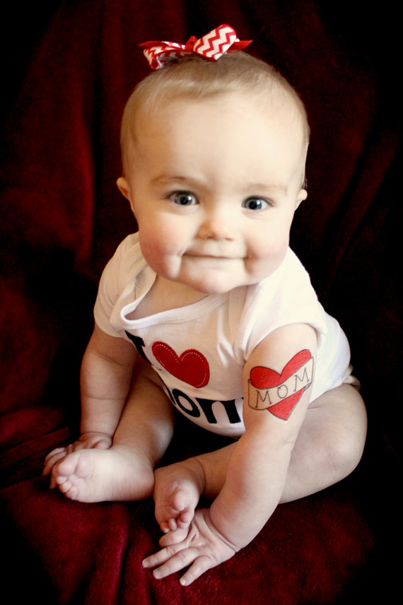 1pcs cute Baby Temporary heart MOM Tattoo Belly Stickers Stickers photo prop Photographs baby shower Decoration party favor(China (Mainland))