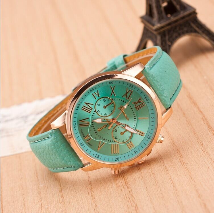 Часы Женева зеленые. фото