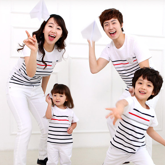 Family fashion summer 2014 stripe short sleeve cotton t-shirt family pack clothing sets for mother father and daughter son(China (Mainland))