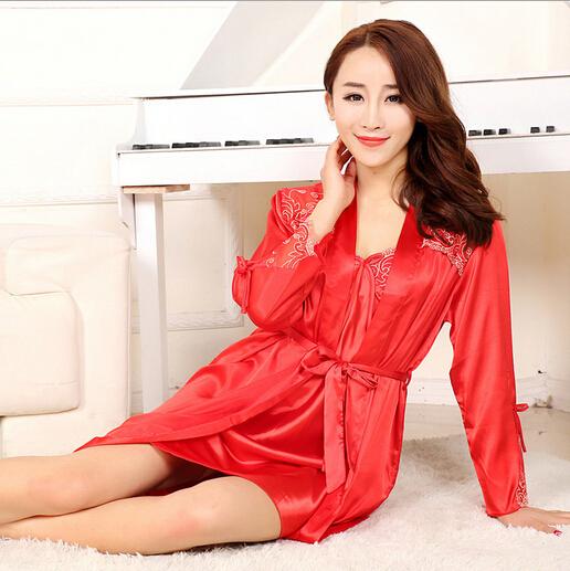 Baju Tidur Kimono Wanita Bahan Sutera Seksi Warna Merah