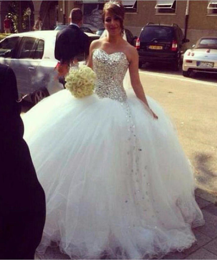 Sweetheart Custom Made Ivory White Tulle Big Poofy Ball Gown Crystal Diamond Wedding Dress 2015