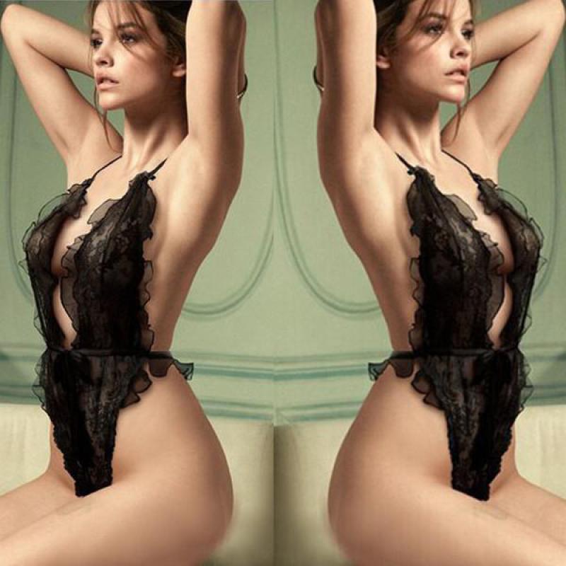 Секс костюм горничной с открытым бюстгальтером 11 фотография
