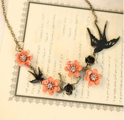 Wholesale! Spring Wind Pink Little Flower Cute Fly Swallow / Bird Pendant Necklace NL273 el collar(China (Mainland))