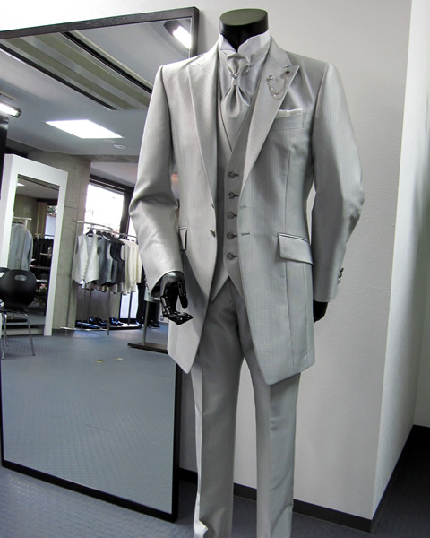 2015 Fashion men Suits New Dress suit Silver tuxedo Gentleman Wedding Prom Groom Tuxedos For men Free shipping hot salmg(China (Mainland))