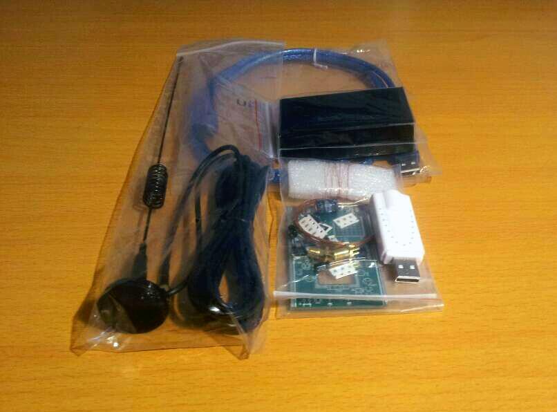 DIY KITs 100KHz-1.7GHz UV HF RTL-SDR USB Tuner Receiver/ R820T+8232 CW FM(China (Mainland))