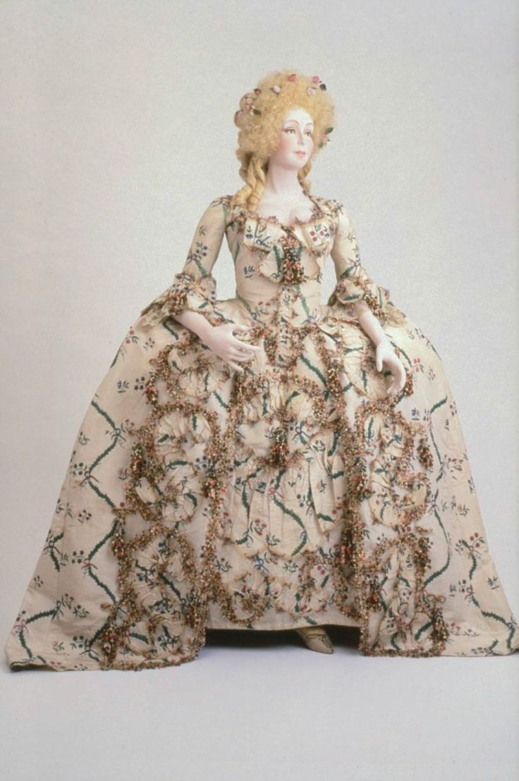 Museum of Fine ArtsBoston Louis XVI-style formal dress and petticoat of ChiVictorian dress satin dressОдежда и ак�е��уары<br><br><br>Aliexpress