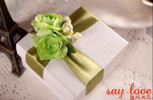 50Pcs Lot Unique Wedding Favors Green Flowers Candy DIY Packaging Boxes Favor Box