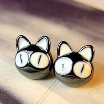 Free Shipping Trendy Acrylic Black Red Lovely Big Eye Naughty Cartoon Cat Stud Earrings For women Fashion Jewelry(China (Mainland))