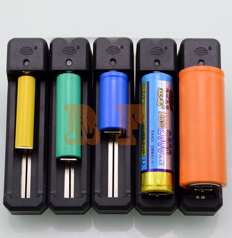 10pcs/Lot,Universal 18650 32650 26650 CR123 16340 14500 Auto Off Battery Charging Charger 3.7V Li-ion Battery Charger(China (Mainland))